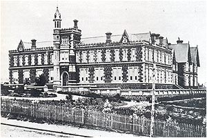 Early Geelong Grammar School Building, completed 1857. Image sourced via Wayback Machine.