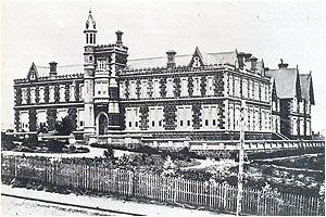 Early Geelong Grammar School Building, completed 1857. Image sourced via Wayback Machine.
