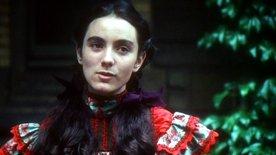 Susannah Fowle as Laura Rambotham in 1977 film adapatation.